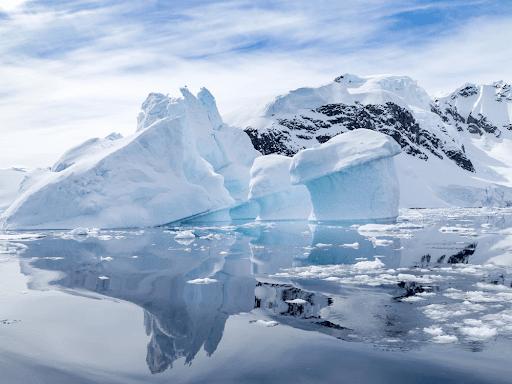Tại sao Châu Nam Cực là một hoang mạc lạnh?