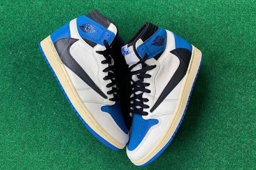 Nike Air Jordan 1 Travis Scott có hoạt tiết tinh tế, thiết kế mạnh mẽ